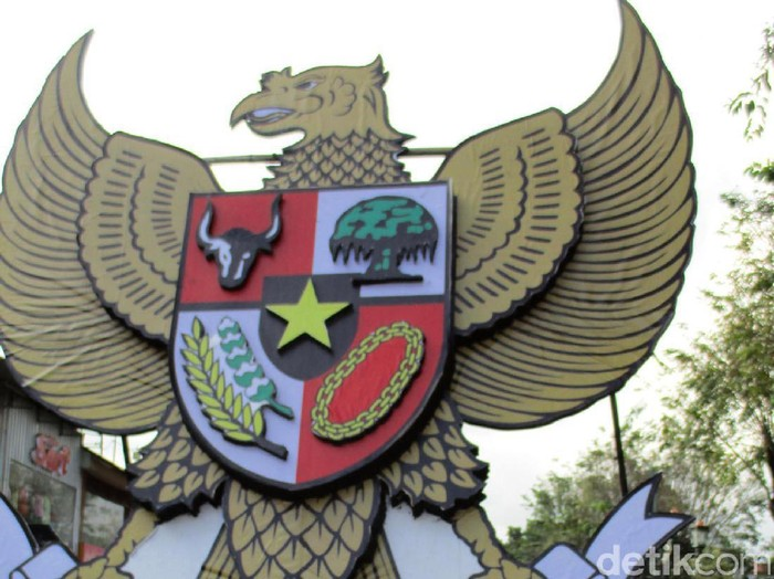 Lambang Garuda Pancasila saat karnaval di Yogyakarta