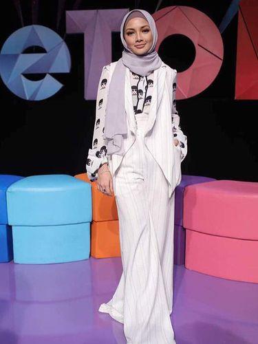 Foto: Cantiknya Noor Neelofa, 'Gigi Hadid' Berhijab dari Malaysia