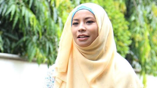 Bikin Pangling, Shareefa Danish Berhijab
