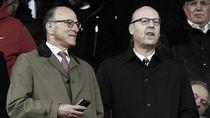 Beda Bos MU dan Liverpool: Satu Ambil Gaji, yang Lainnya Tidak
