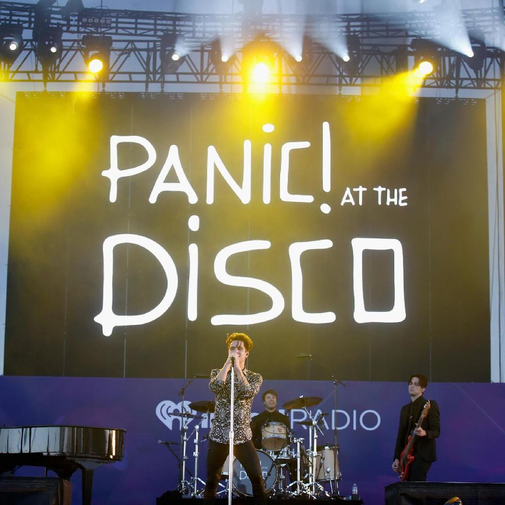 Panic! At The Disco Pecat Gitarisnya