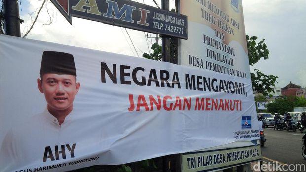 Spanduk Agus Yudhoyono di Denpasar, Bali /