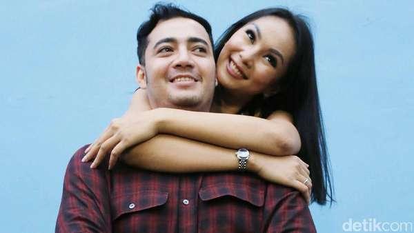 Kalina Pamer Kemesraan dengan Sang Suami
