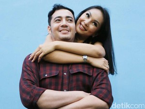 Kalina Oktarani Galau Terus, Suami Kok Nggak Tahu Sih?