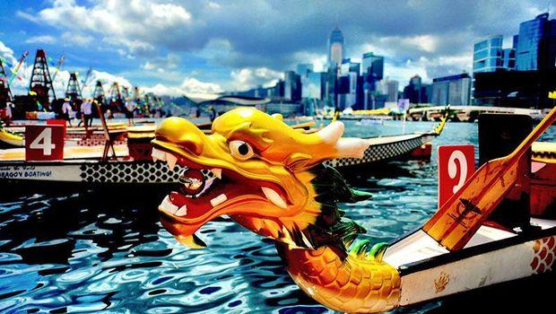 Perahu berkepala naga yang ikonik (Discover Hong Kong)
