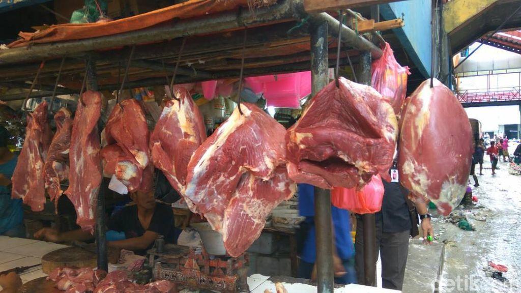 Ada Daging Beku Impor, Pedagang: Pembeli Cari yang Segar