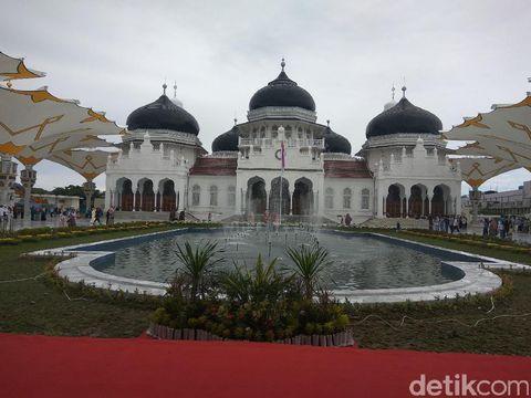 Masjid Baiturrahman, Saksi Bisu Tewasnya Jenderal Belanda dan Tsunami