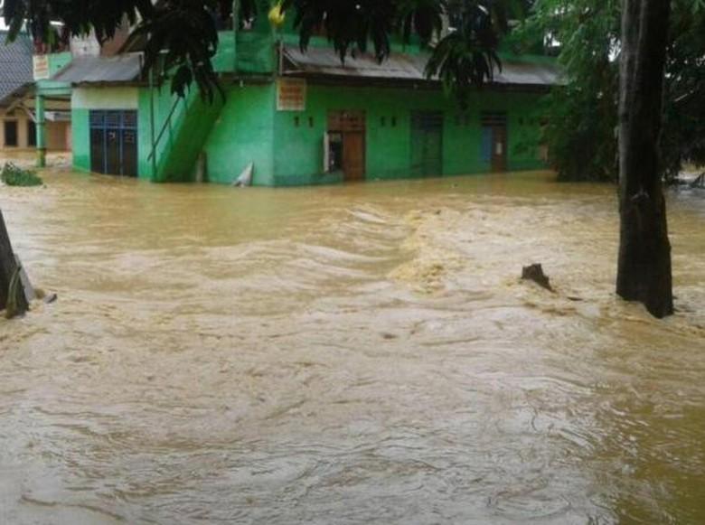 Banjir dan Longsor Landa Kendari, 1 Orang Tewas