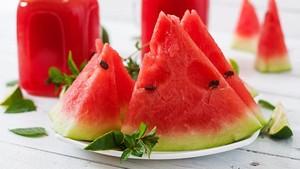 4 Alasan Semangka Cocok untuk Jadi Camilan Saat Diet