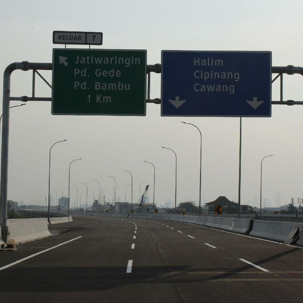 Tol Becakayu Dilewati 11.000 Kendaraan /Hari