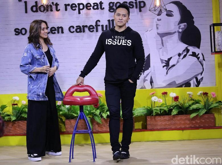Sara Wijayanto dan Demian Aditya Foto: Hanif Hawari/detikHOT
