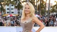 Terungkap, Pamela Anderson dan Adil Rami Bercinta 12 Kali Sehari