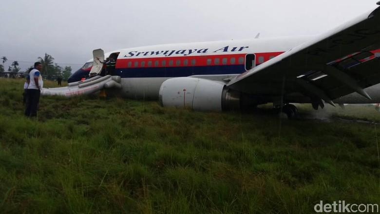 Tergelincir di Manokwari, Pesawat Sriwijaya Air Masih Dievakuasi
