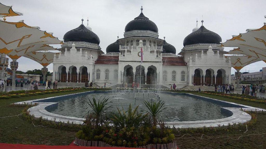 Jadwal Buka Puasa Hari Ini dan Imsak Besok untuk Banda Aceh-Bandar Lampung