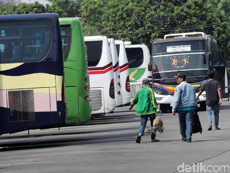 Dishub DKI Uji Kelaikan 884 Bus di 3 Terminal Besar