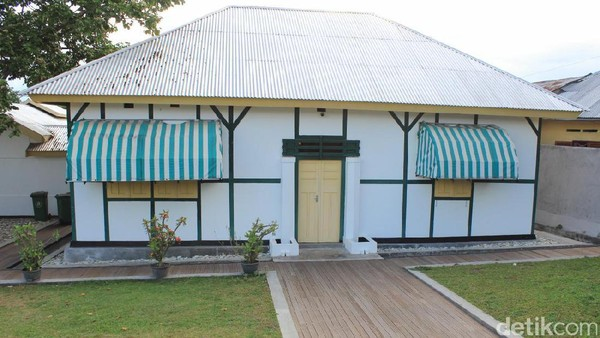 Di Ende juga ada rumah di dekat pantai yang menjadi saksi lahirnya Pancasila. Rumah tersebut merupakan tempat Bung Karno bersama keluarga diasingkan oleh Belanda (Randy/detikTravel)