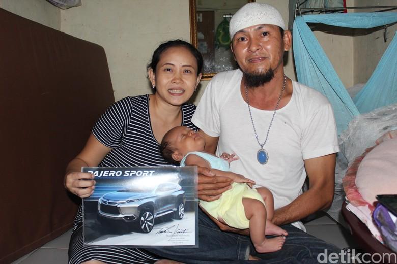 Bayi bernama Pajero Sport beserta kedua orang tuanya. (Foto: Khairul Imam Ghozali)