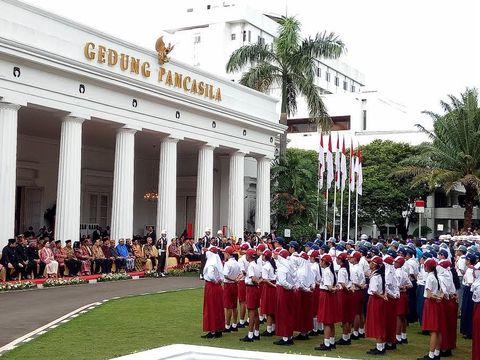 Suasana saat Jokowi memimpin upacara hari lahir Pancasila di Kemlu