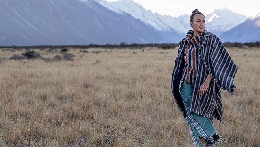 Brrr..Melihat Nadine Chandrawinata Kedinginan di New Zealand