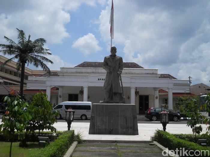 DPRD DIY di Jl Malioboro Yogyakarta