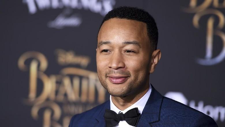 Di Foto Ini John Legend dan Putranya Mirip Banget, Setuju, Bun?/Foto: Billboard