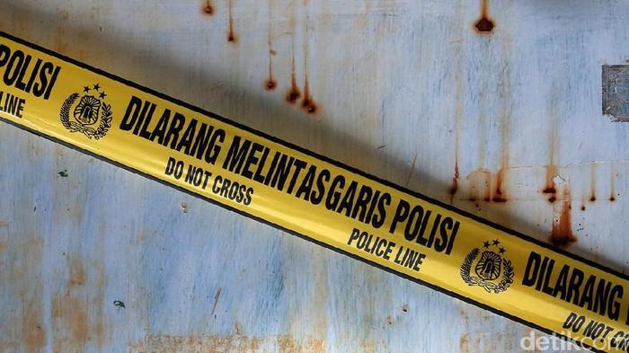 Dilarang Melintas Garis Polisi
