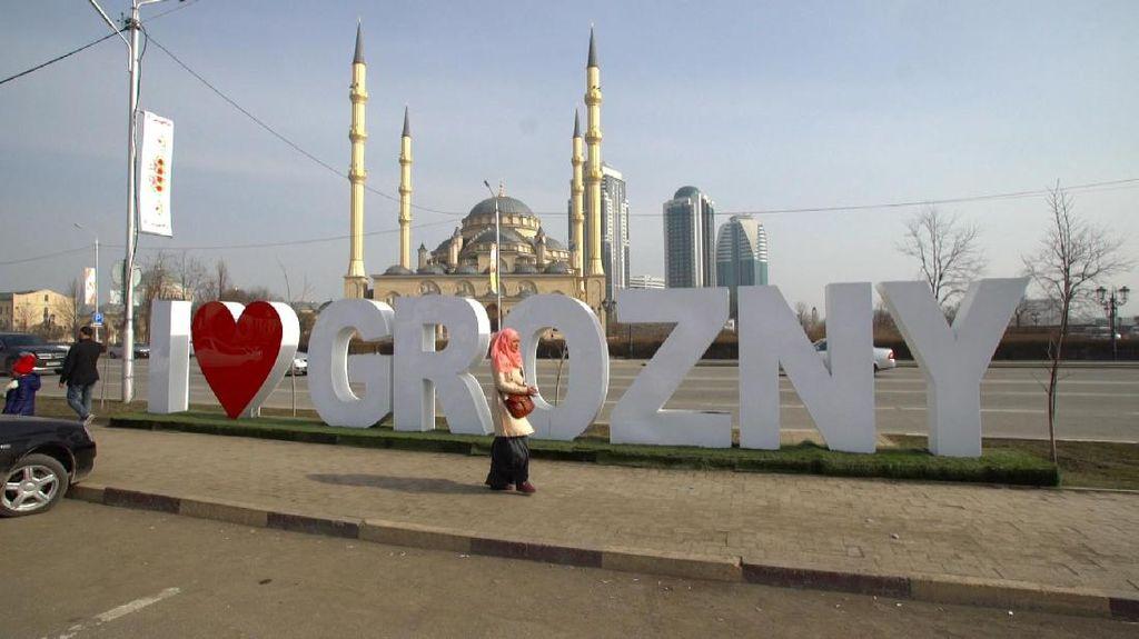 Potret Keramahan Keluarga Muslim Chechnya