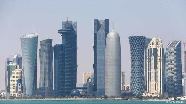 Suhu udara di Qatar sekarang mencapai 46 derajat celcius. Diharapkan dengan cara-cara itu, suhu udara bisa sedikit lebih turun dan tidak menyiksa warga dan juga wisatawan (Getty Images)