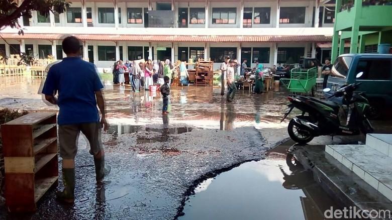 Lebih dari Seribu Orang Menjadi Korban Banjir Garut