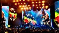 Selanjutnya ada Guns N' Roses dengan 42,3 juta USD atau Rp 564 miliar. Foto: Frazer Harrison/Getty Images for Coachella