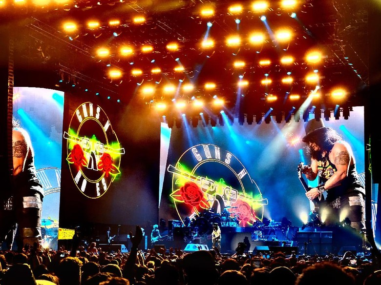 Guns N Roses Jadi Band Pertama yang Konser di GBK Wajah Baru