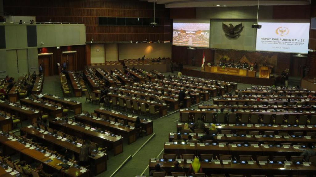 DPR Resmi Lanjut Bahas RUU KUHP-RUU Pemasyarakatan yang Tuai Polemik