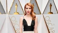 Emma Roberts Perang Instagram dengan Ibunya Usai Tak Sengaja Ungkap Hamil