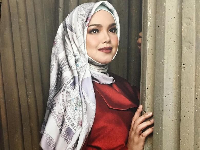 Siti Nurhaliza Berbagi Cerita Pengalamannya Saat Berhijab