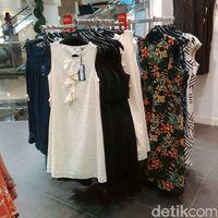 Tas Hingga Sepatu Marks & Spencer Diskon 50% di Pondok Indah Mall