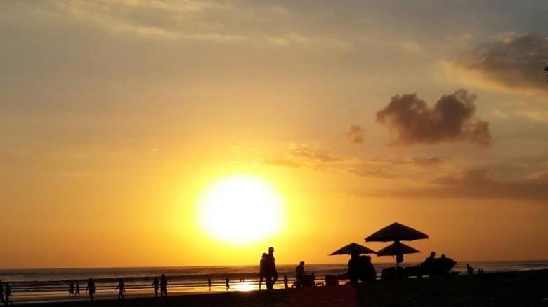 Pantai Seminyak, Bali (Neny Setiyowati/dTraveler)