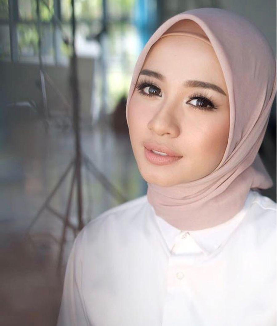 Foto 10 Artis Wanita Indonesia Dengan Bentuk Alis Paling Indah Foto 3