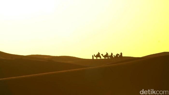 Di Ramadan ini, tim Jazirah Islam menyelusuri gurun pasir desa Merzouga, di tenggara Maroko. Gurun pasir yang menjadi bagian dari sejarah penyebaran Islam oleh Rasulullah SAW.
