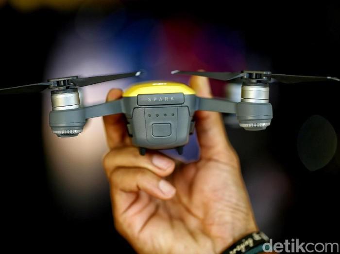 Drone pertama yang bisa dikendalikan dengan gerakan tangan