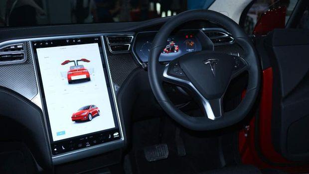 Profil Mobil Listrik Tesla Model X