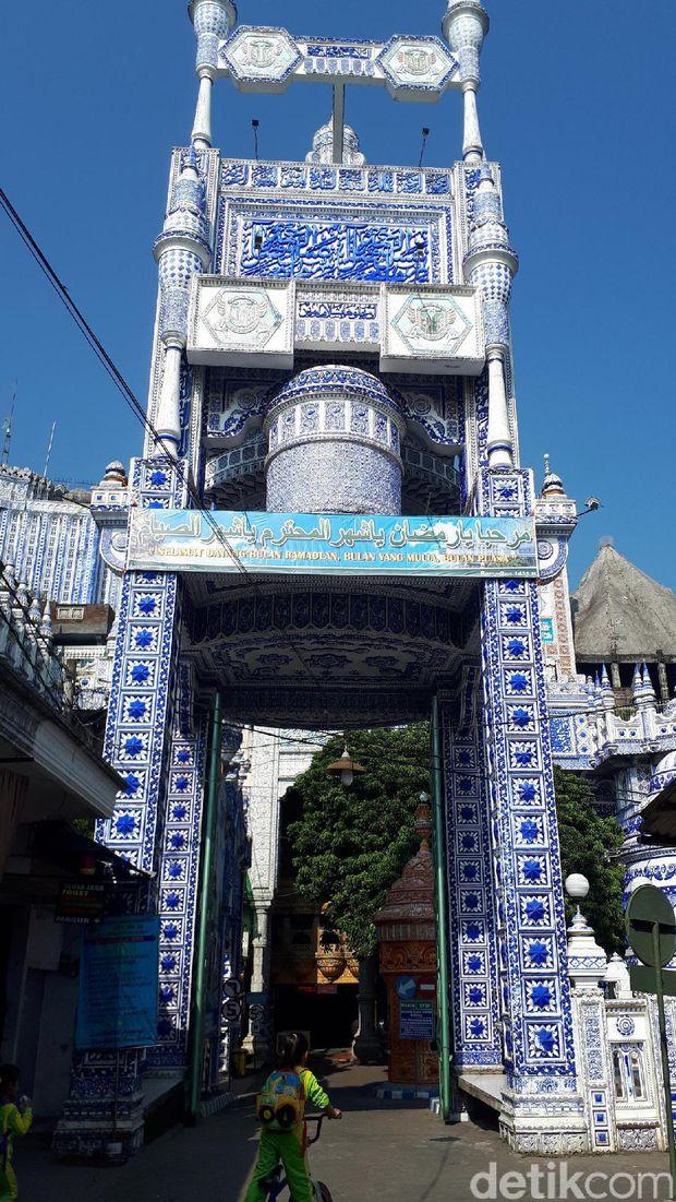 Gerbang masjid (Aminudin/detikTravel)
