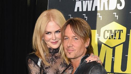 Mesranya Keith Urban dan Nicole Kidman di CMT Awards