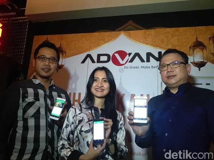 Edi Supartono, Master Trainer Advan (kiri), Tjandra Lianto, Direktur Marketing Advan (kanan). Foto: yud/detikINET