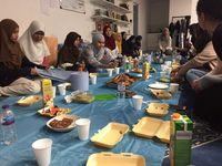 Balada Ramadan di UK: Puasa 18 Jam, Toleransi dan Status Waspada