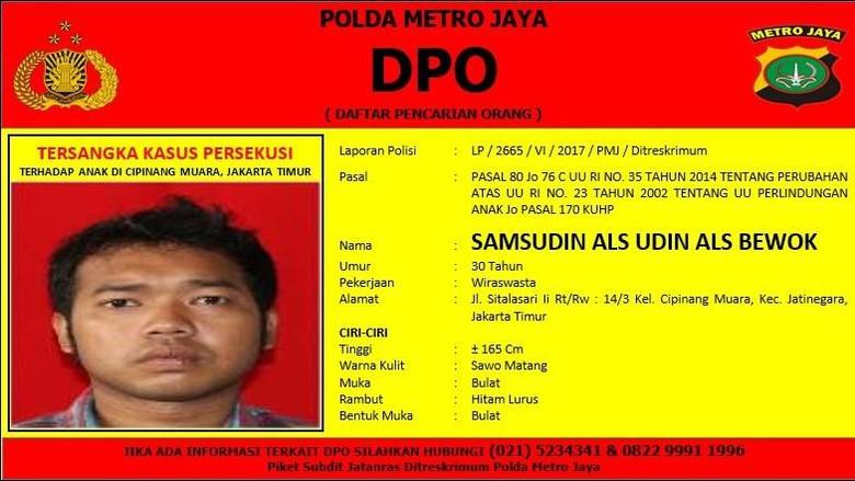 Polisi Sebar Foto DPO Persekusi Remaja M