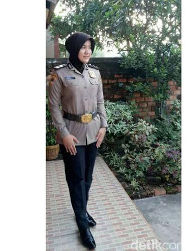 Bripda Rizka Munawaroh, hafiz Alquran yang bertugas di Polda Sumsel