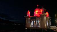 Kubah masjidnya kala bercahaya (Afif Farhan/detikTravel)