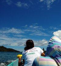 Naik perahu menuju ke Distrik Kokas (Dadang Lesmana/ACI)