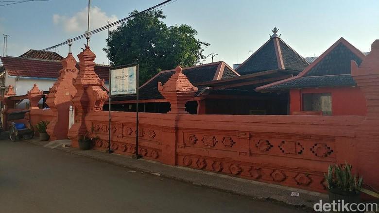 Masjid Merah Panjunan di Cirebon (Sudirman Wamad/detikcom)