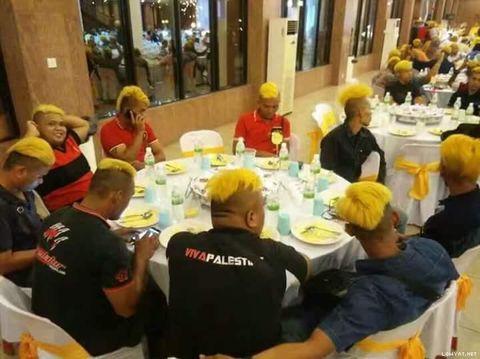 Seribu Orang Lebih Rela Warnai Rambut Jadi Emas Demi Dapat Rp 3 Juta